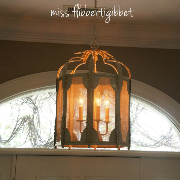 chandelier-foyer-1