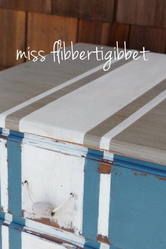 milk-paint-nautical-beachy-chest-4