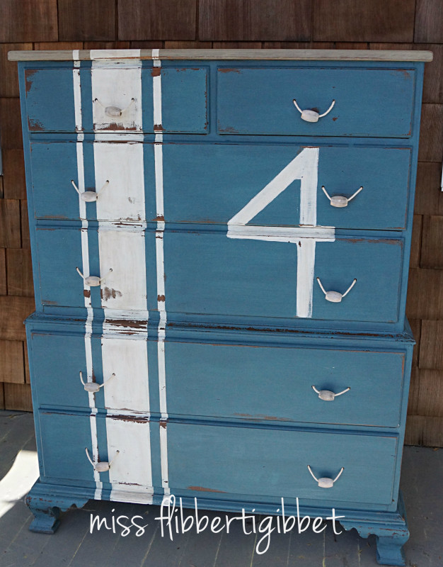 milk-paint-nautical-beachy-chest